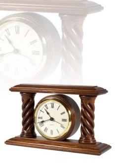 Asztali óra gyönyörű esztergált oszlopokkal, MC180