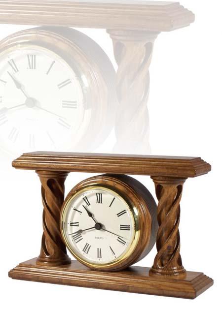 Asztali óra tölgy színben, szép oszlopokkal, MC160
